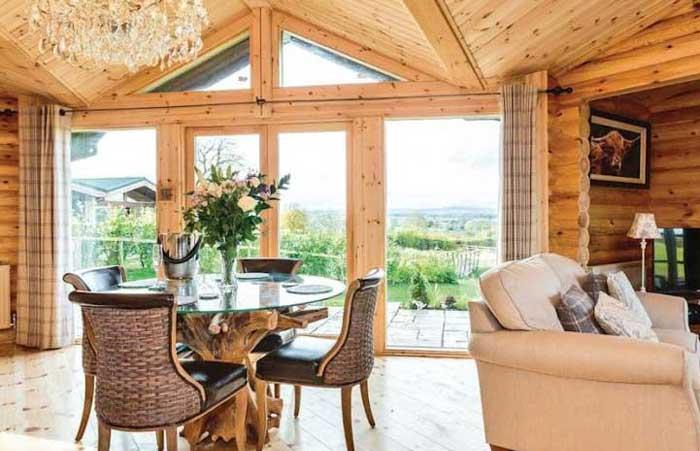 Kuivasalmi, maison rondin bois, salle de séjour